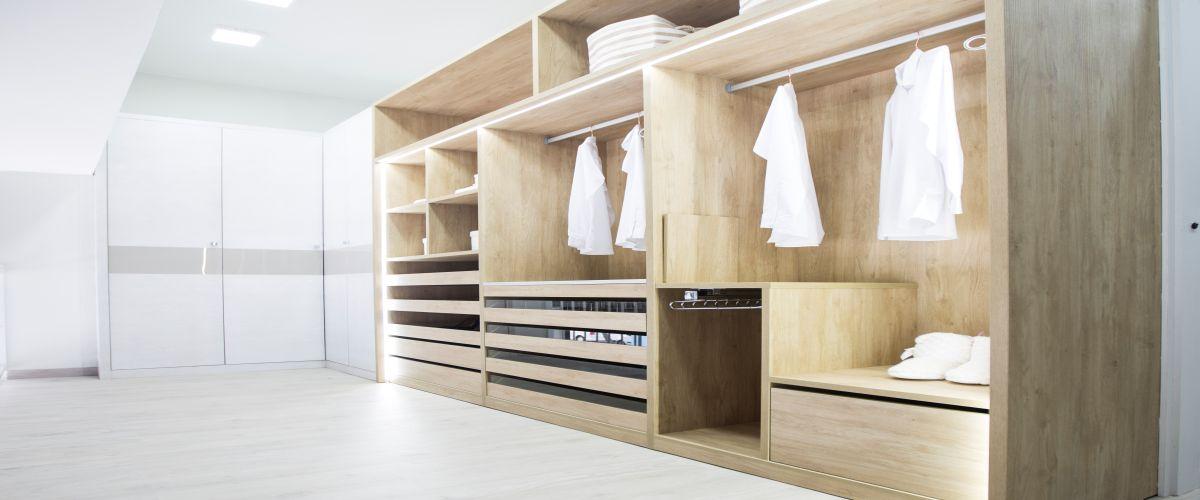 F brica de muebles cocinas ba os armarios for Fabrica muebles bano