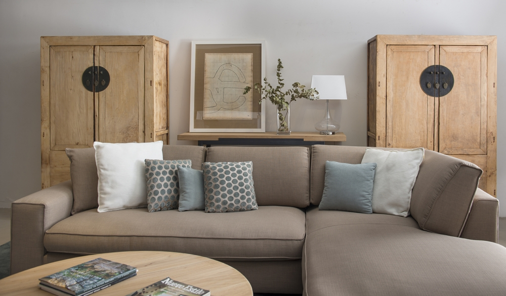 Sal n chillida salones comedores mobiliario for Ocio muebles